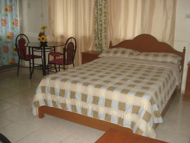 Cozy Affordable Apartment in Dau - Mabalacat - Appartement