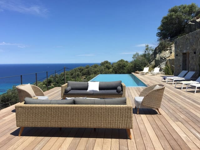 La Roche bleue - villa de luxe - piscine chauffée