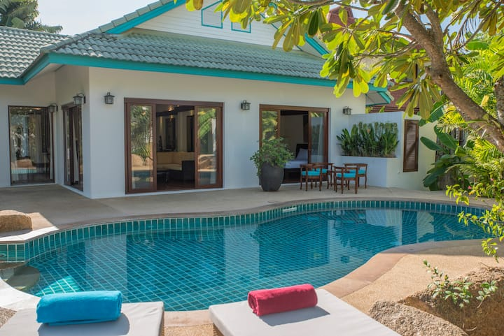 Beach Villa 4BR + Private Pool&Jacuzzi