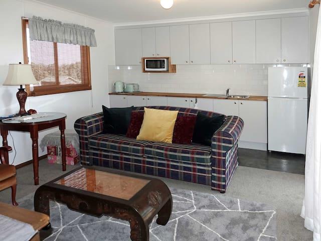 A cottage lounge room