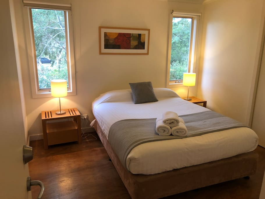 Master Bedroom with Ensuite and Queen size bed