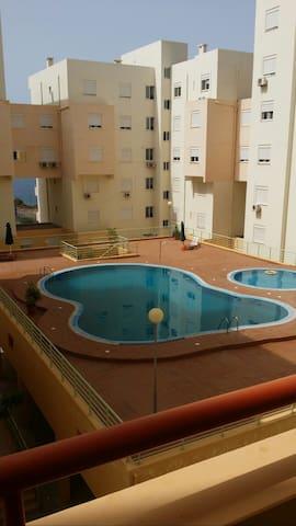APARTAMENTO EM CONDOMINIO PRIVADO - praia - Apartament
