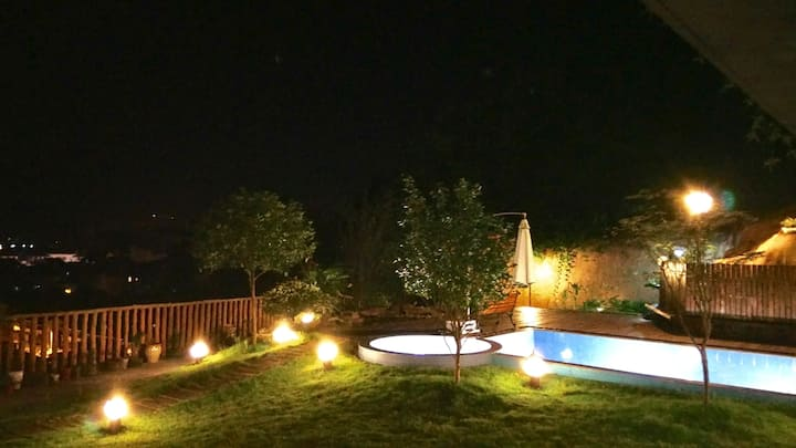 峨眉山脚下,私家泳池的新中式禅意独栋别墅