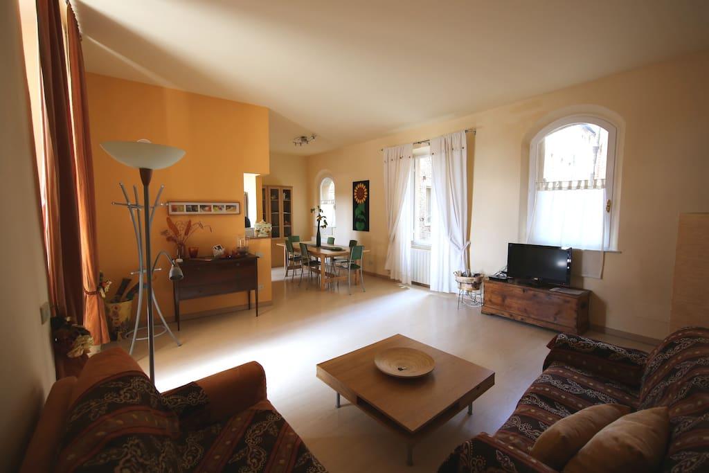 Living area/ingresso-soggiorno