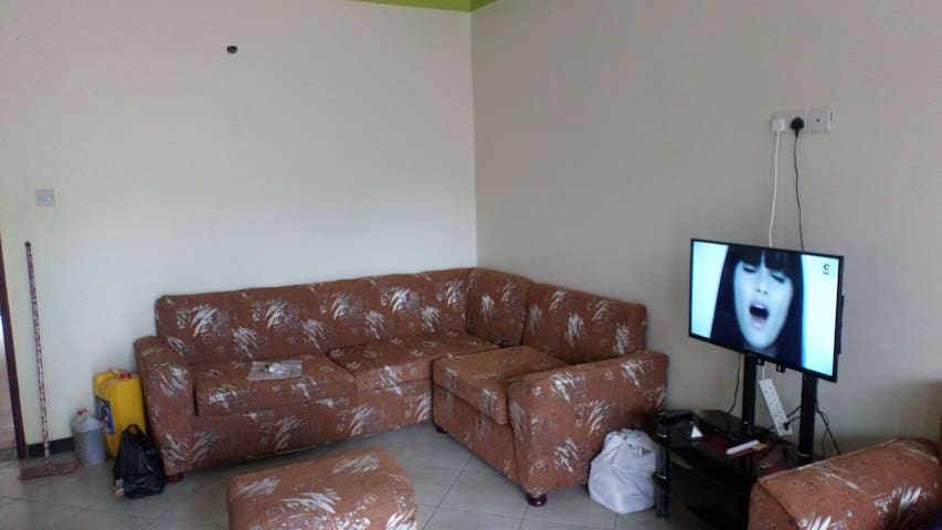 Suhran Apartments 2 bedroom cheap country house