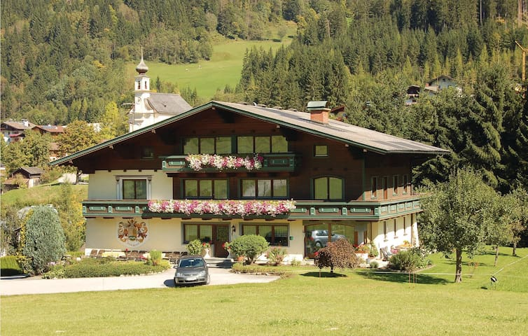 Holiday apartment with 2 bedrooms on 70m² in Flachau