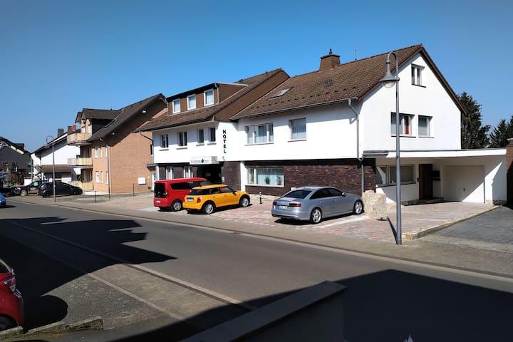 Garni-Hotel zwischen Köln, Bonn und Wesseling