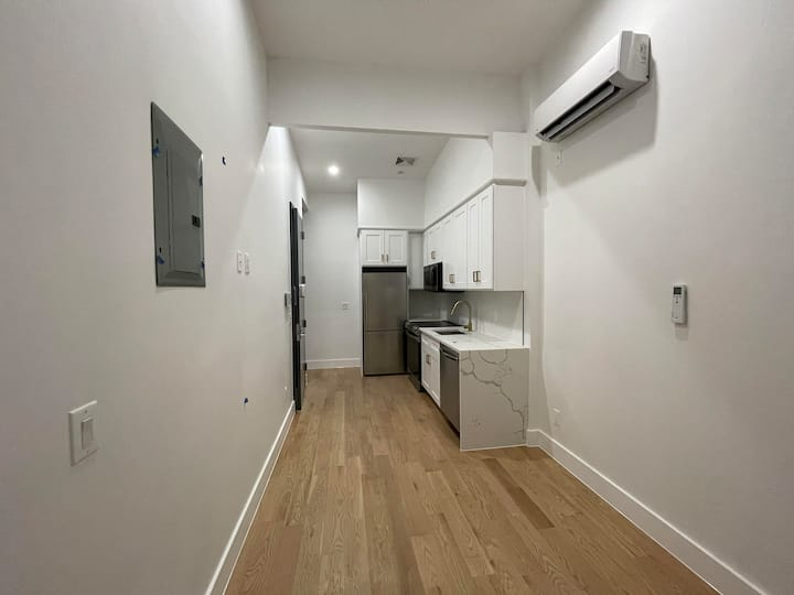 NEW FURNISHED 3 BED APARTMENT IN PRIME BUSHWICK!