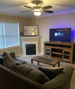 WiFi, Netflix, Patio, Game Room, Workout Area!