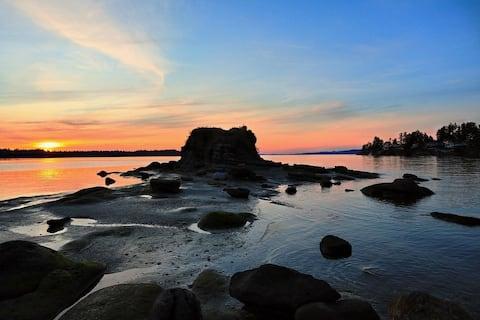 Nanoose Bay Oceanfront Condo