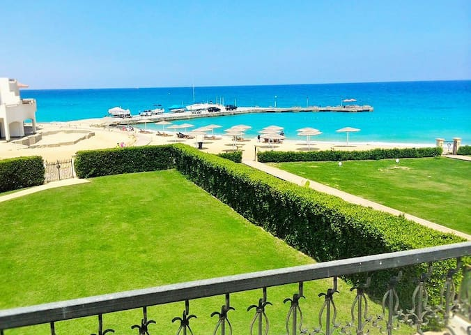 5 rooms First Row beach front Villa in Sokhna