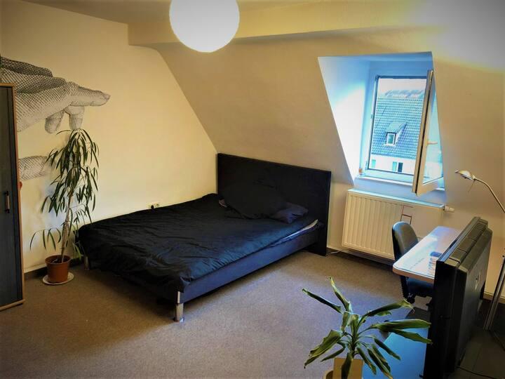 Komfortables Privatzimmer Perfekt gelegen
