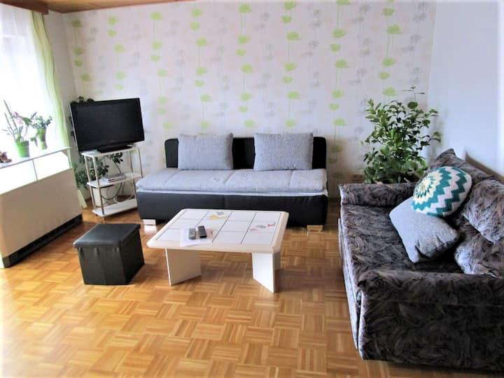 Ferienwohnung Bender, (Sinsheim), Ferienwohnung, 70qm, Balkon und Garten, 2 Schlafzimmer, max. 6 Personen