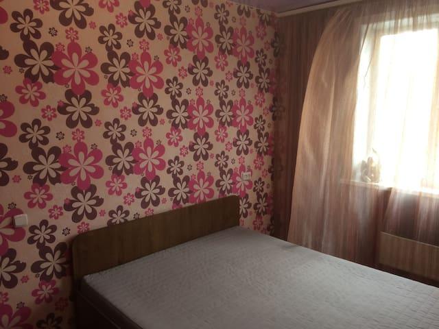 Апартаменты Ленина, 67