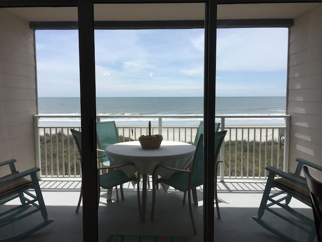 Luxury Ocean Front Condo – Escape to Paradise - Ocean Isle Beach - Apartament