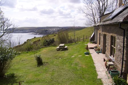 The Old Coach House, Windsworth (with 2 bedrooms) - near Looe - Talo