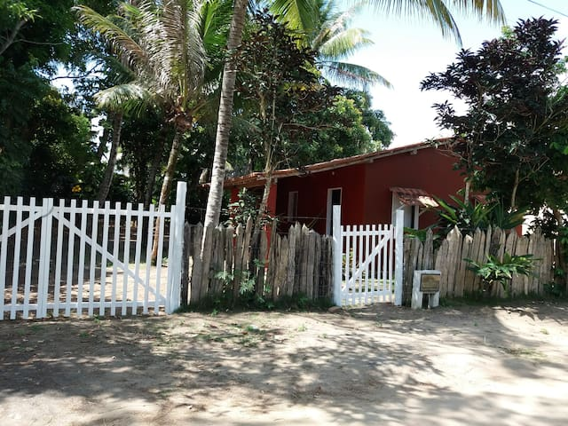 Casa poetica em Cumuruxatiba 2 mins da praia andan