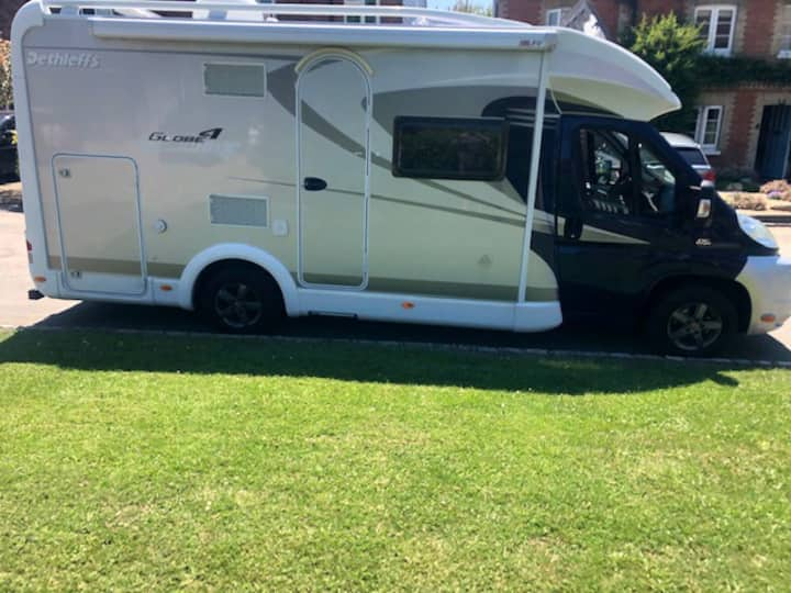 Luxury Motorhome to take to UK site of your choice