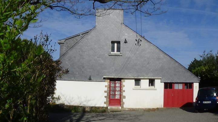 Maison située entre terre et mer-Golfe du Morbihan