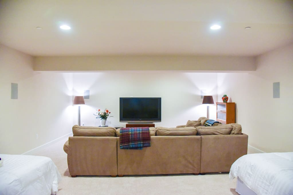 Private Room, 2 Queen Beds, Large sectional sofa and entertainment center