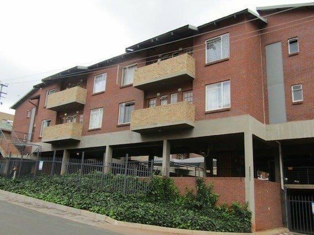 Melville Mews-Auckland park (Johannesburg)