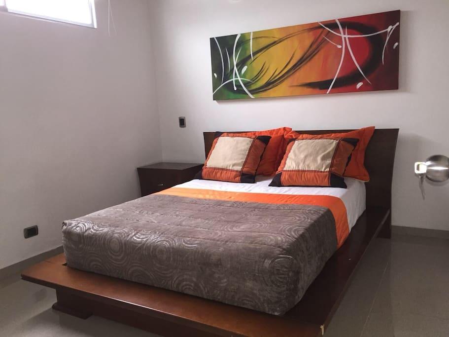 Habitación con cama doble