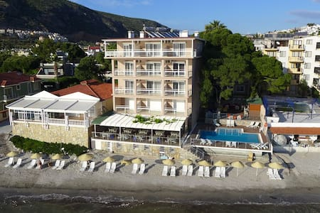 Melis Otel Deniz Manzaralı Suit Oda - Kusadasi