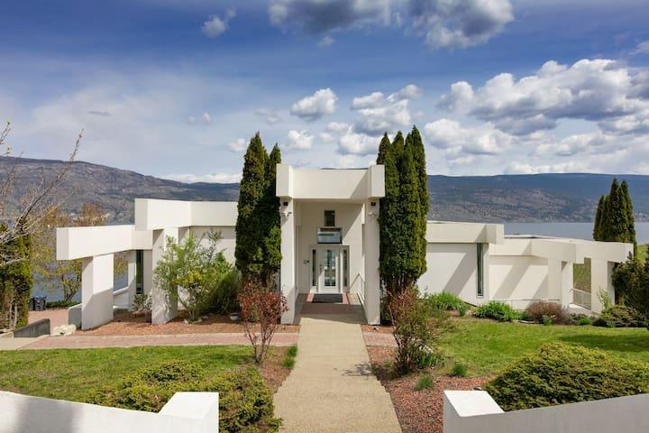 Luxury Waterfront Villa on Okanagan Lake