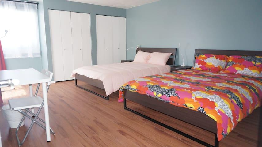 R2 South Reno - Modern Home sleeps up to 8