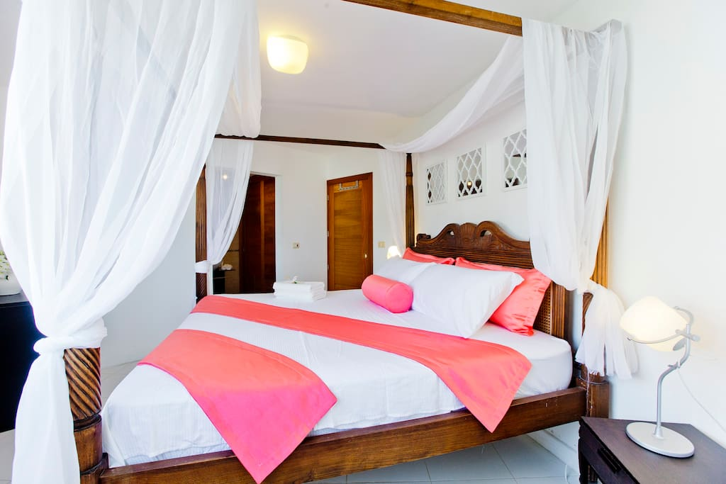 In your vacation bedroom you'll have a big SUPER cozy bed for a royal sleep.