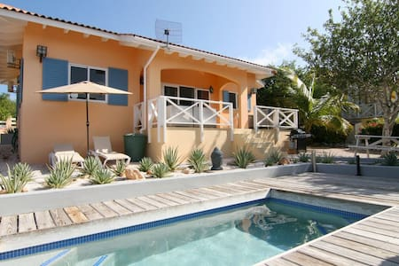 Dushi Villa with private Pool on Curaçao - Willemstad