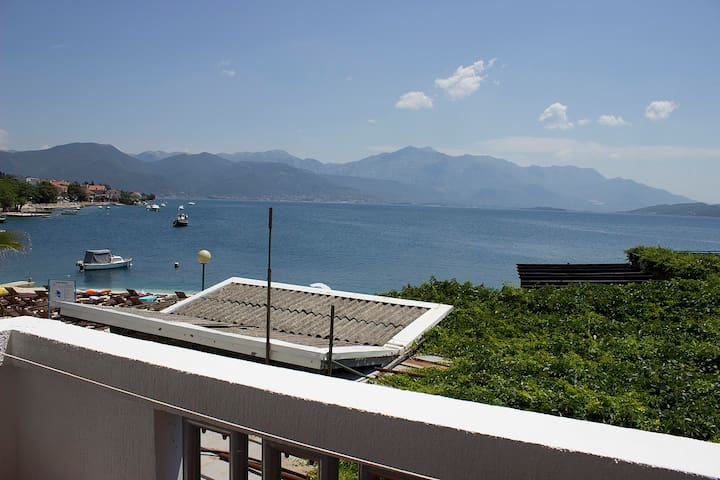 Villa 9 - balcony with sea view, at sea coast