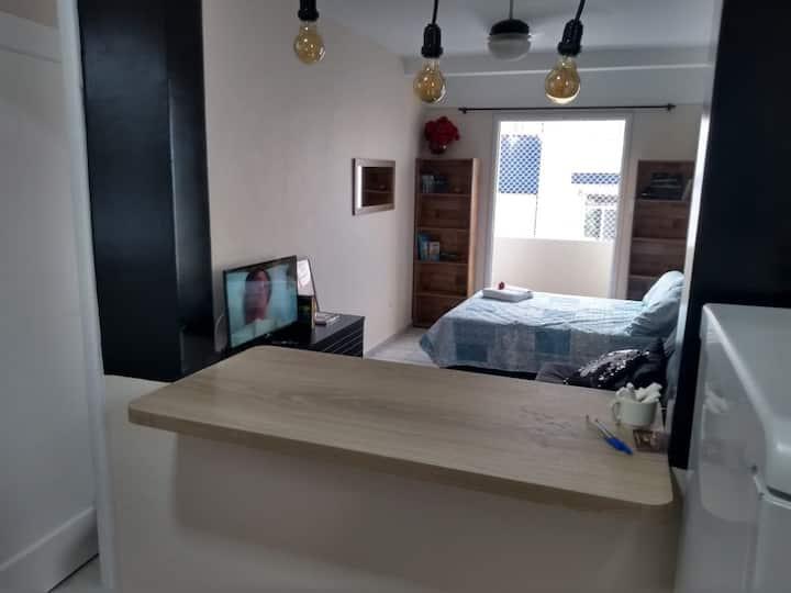 APTO STUDIO em São Vicente a 2 quadras da praia
