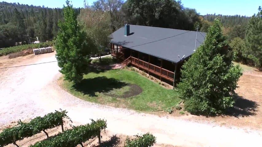 Beautiful Cabin at V5 Vineyards