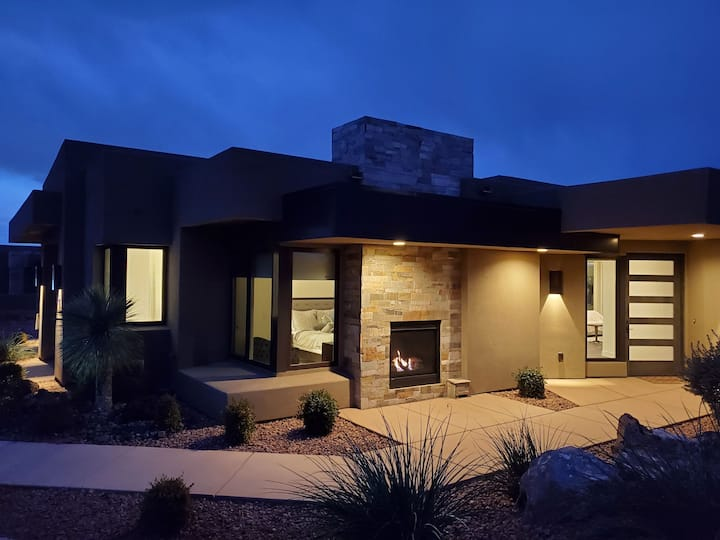 Brand New Luxury Home near Snow Canyon and Tuacahn