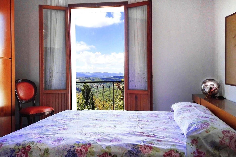 """Room 2. Stanza Matrimoniale delle """"Mani"""""""