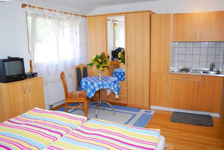 Wohn- und Essbereich, Mayer Burghöfe, Ferienwohnung 4a