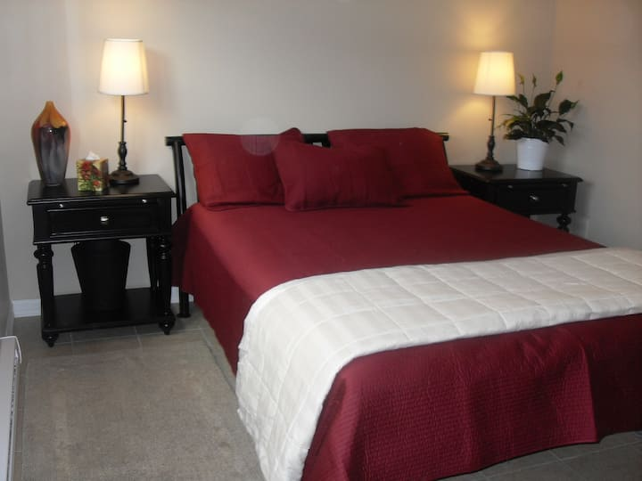 Furnished, utilities included, shrt or long term