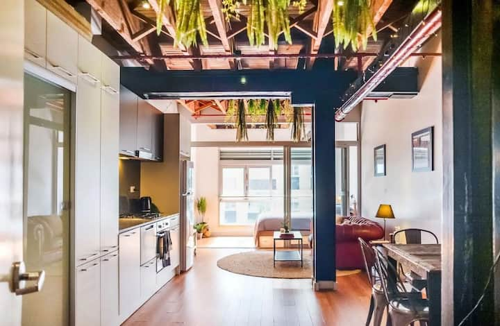 Funky New York Loft in Darlinghurst!