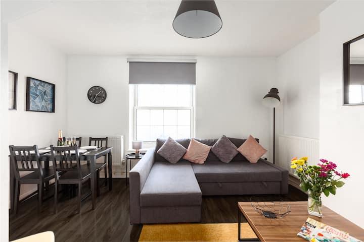 *Elegant & Modern 3 Bed apartment in Zone 1