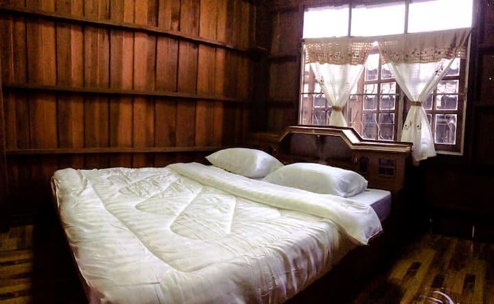 John's Barn house: warming local life style