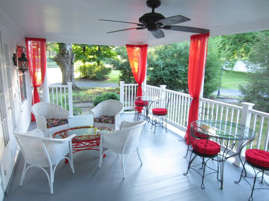 Relax or enjoy Breakfast on side porch