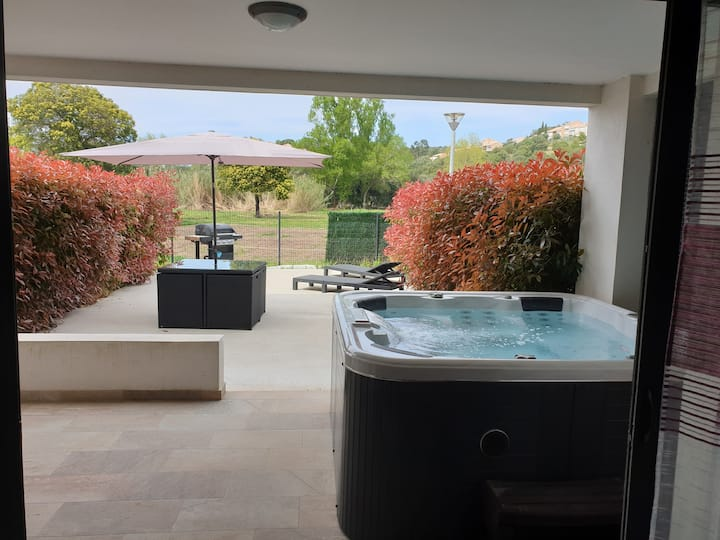 T2 55 m2  4 pers,  jacuzzi, 55m2 terrasse...