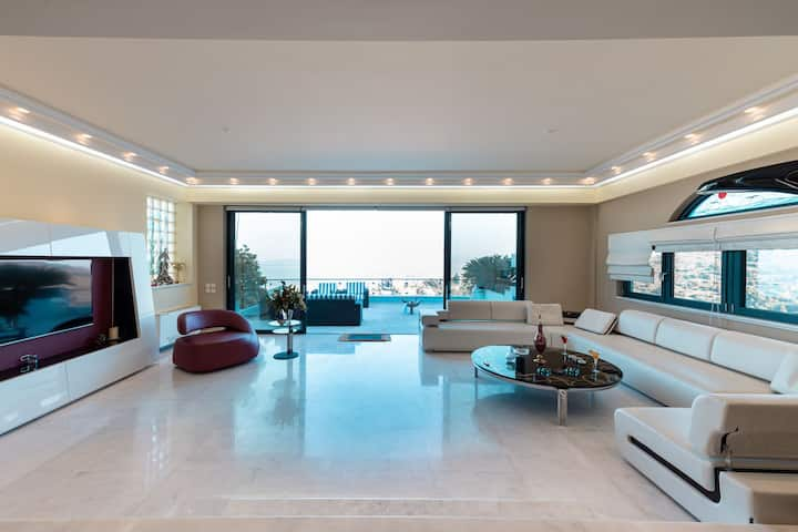 Athens Riviera 350 m2 Villa with Private Pool and Infinity Sea Views