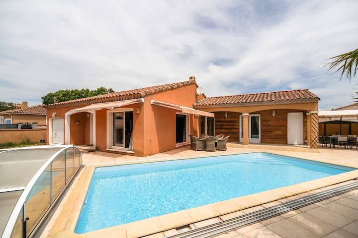 Quaint Villa in Aigues-Vives with Private Pool