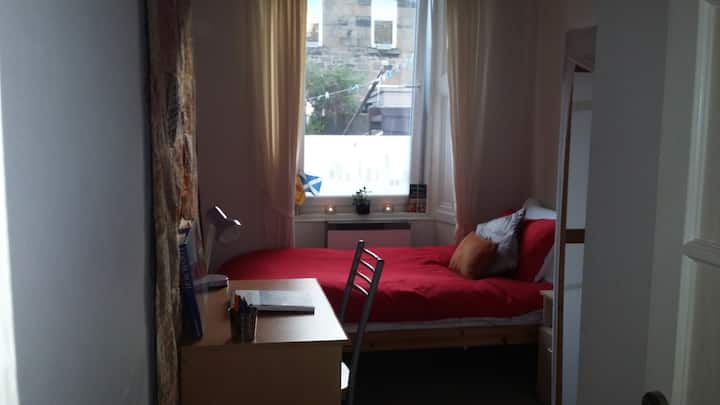 Single room in a very quiet residential area Leith