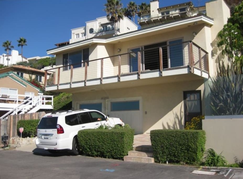 Malibu beach house on the sand houses for rent in for Malibu house for rent