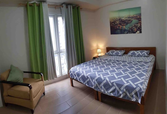 Queen Bed or Twin Bed near Airport & Resorts World
