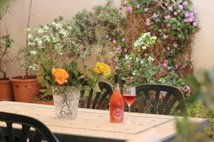 Maltese House close to airport- max 10 guests