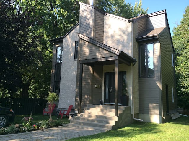 Whole home or room only rental - Montréal - House